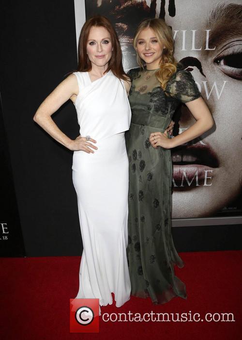 Julianne Moore and Chloe Grace Moretz 7