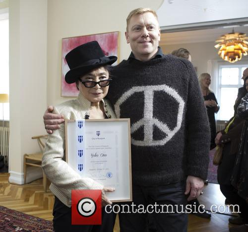 Yoko Ono Made Honorary and Citizen Of Reykjavik 1