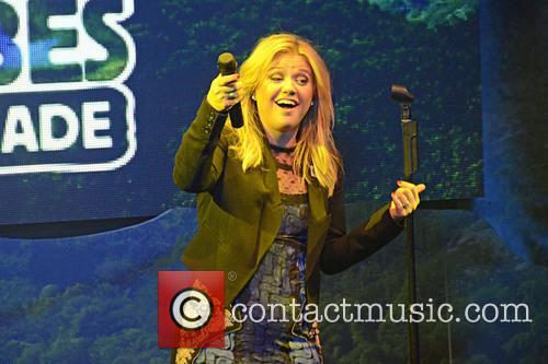 Kelly Clarkson 11