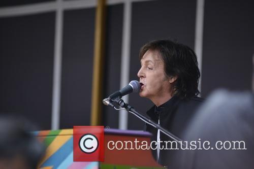 Paul McCartney 32