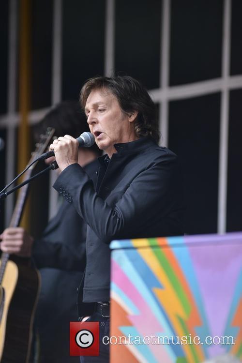 Paul McCartney 33