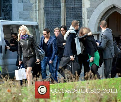 Victoria Smurfit and Jonathan Rhys Meyers & Dracula Cast 4