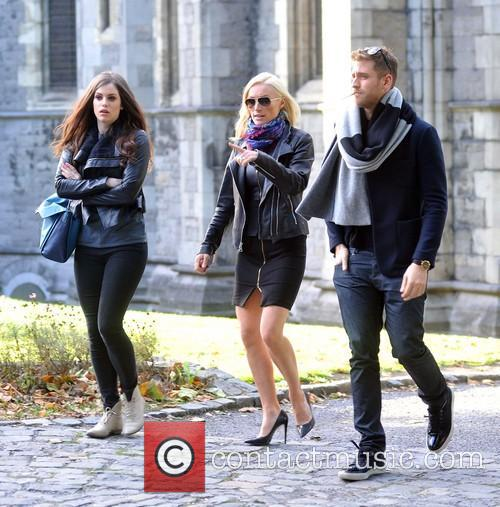 Jessica De Gouw, Victoria Smurfit and Oliver Jackson-cohen 6