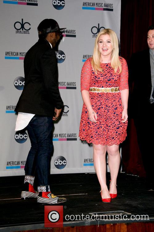 Kelly Clarkson and Will.i.am 3