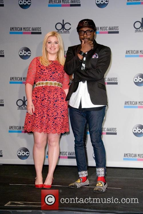 Kelly Clarkson and Will.i.am 5