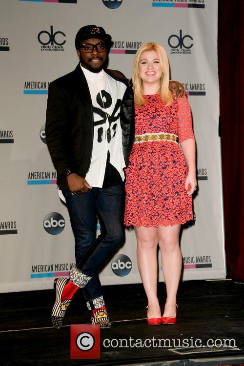 Kelly Clarkson and Will.i.am 6