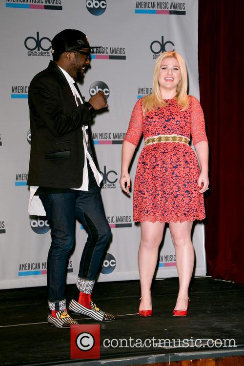Kelly Clarkson and Will.i.am 7