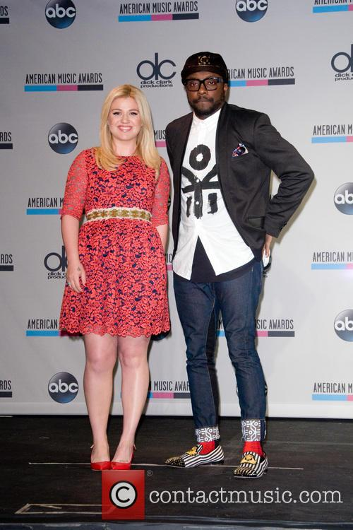 Kelly Clarkson and Will.i.am 8