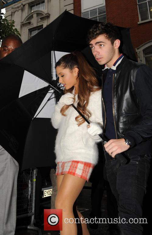 Ariana Grande and Nathan Sykes 7