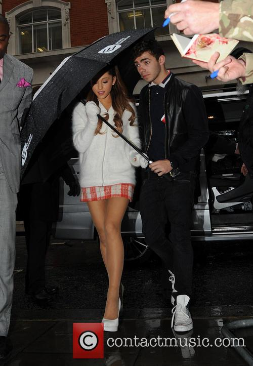 Ariana Grande and Nathan Sykes 8