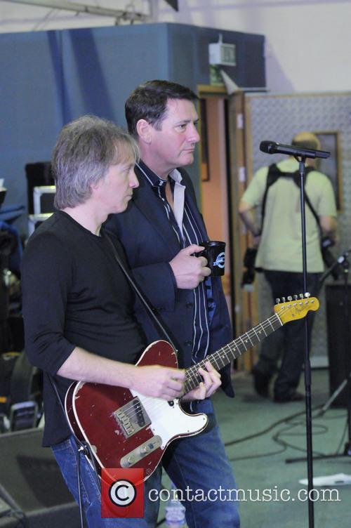rehearses before gig