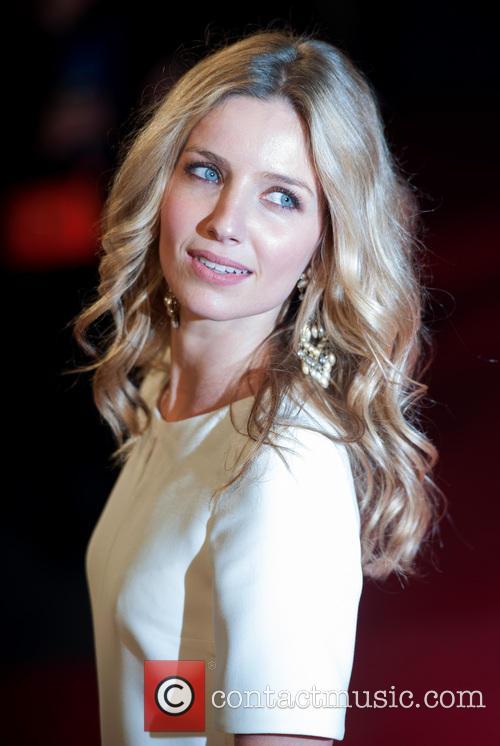Annabelle Wallis 4