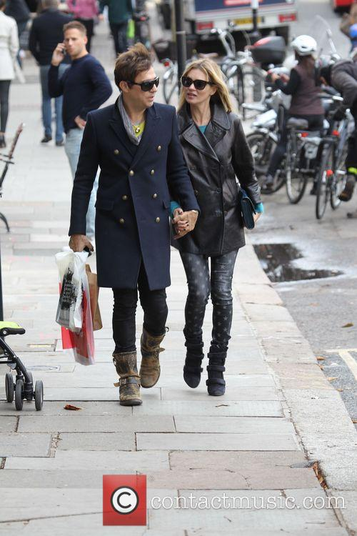 Kate Moss and Jamie Hince 8