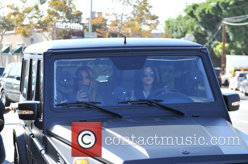Kim Kardashian and Kylie Jenner 8
