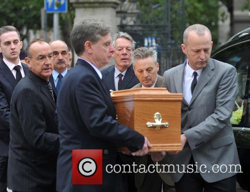 atmosphere the funeral of the pogues guitarist 3903179