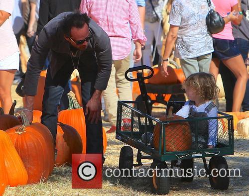 Walton Goggins, Augustus Goggins, Mr Bones Pumpkin Patch