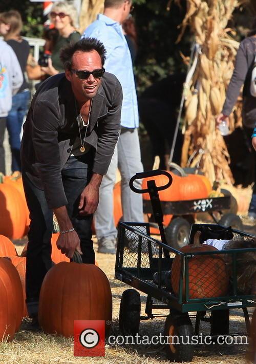 walton goggins celebrities visit mr bones pumpkin 3904203