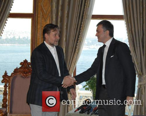 Russell Crowe and Omer Celik 5