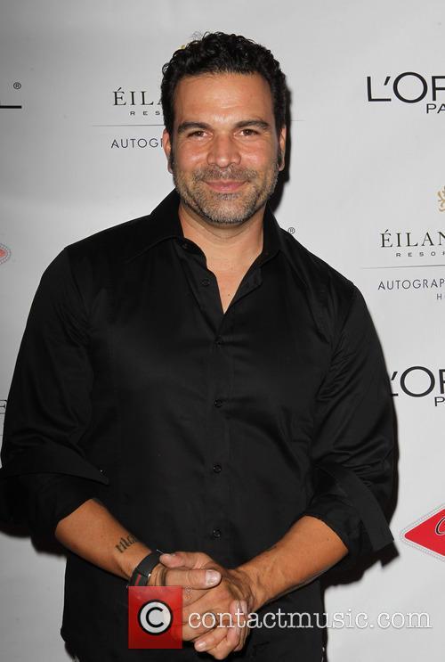 Ricardo Antonio Chavira 4
