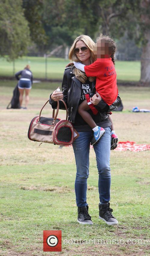 Heidi Klum and Lou Sulola Samuel 4