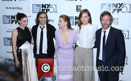 Rooney Mara, Joaquin Phoenix, Amy Adams, Olivia Wilde and director Spike Jonze 2