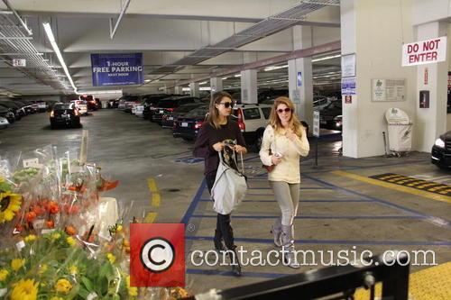 Jessica Alba and Lauren Andersen 9