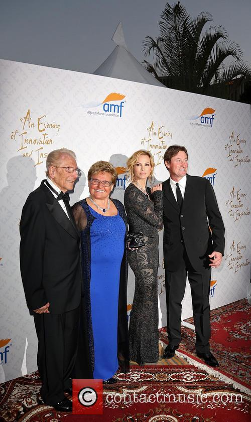 Alfred E. Mann, Claude Mann, Janet Gretzky and Wayne Gretzky 2