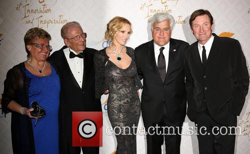 Claude Mann, Alfred E. Mann, Janet Gretzky, Jay Leno and Wayne Gretzky 1
