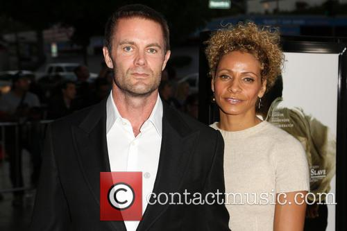 Garret Dillahunt and Michelle Hurd 5