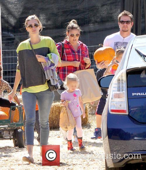 Mark Wahlberg, Rhea Durham, Ella Rae Wahlberg and Grace Margaret Wahlberg 1