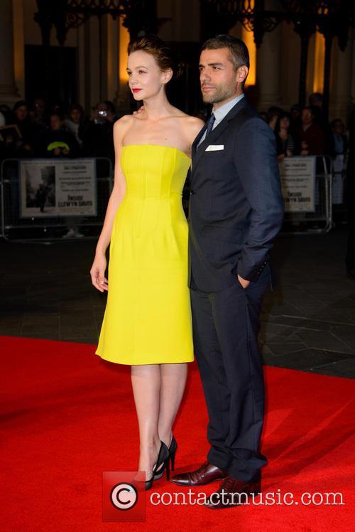 Carey Mulligan and Oscar Isaac 10
