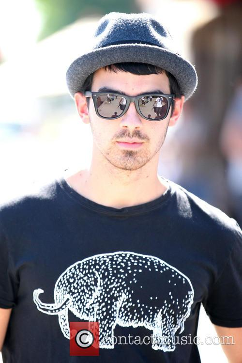 Joe Jonas 8