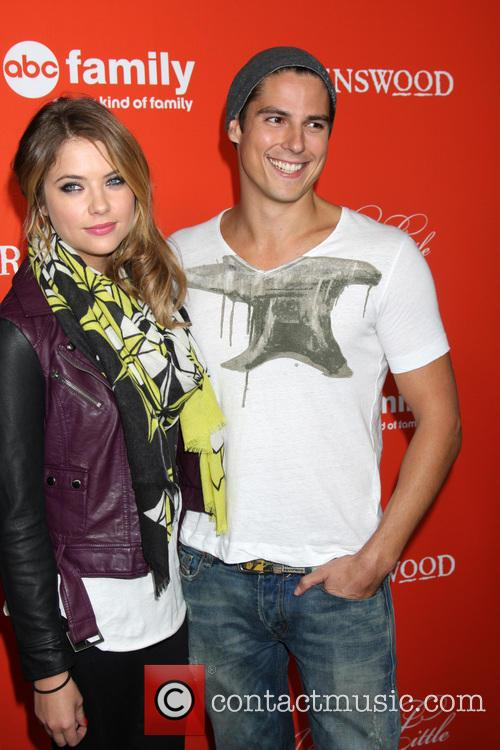 ashley benson sean faris pretty little liars halloween 3908366
