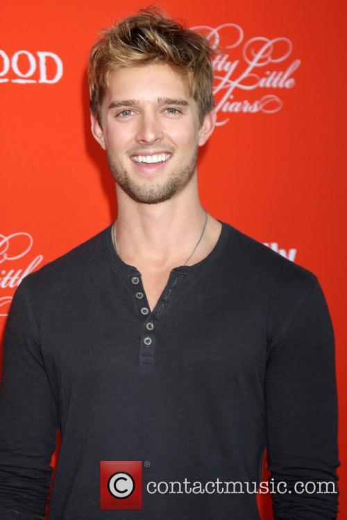 Liars and Drew Van Acker 11