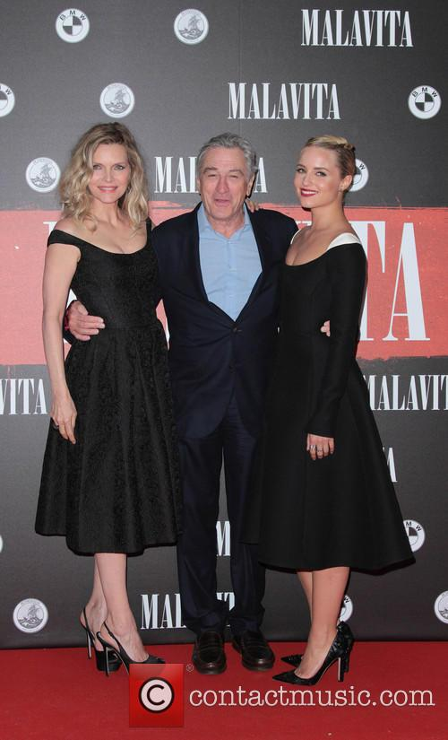 Michelle Pfeiffer, Robert De Niro and Dianne Agron 4