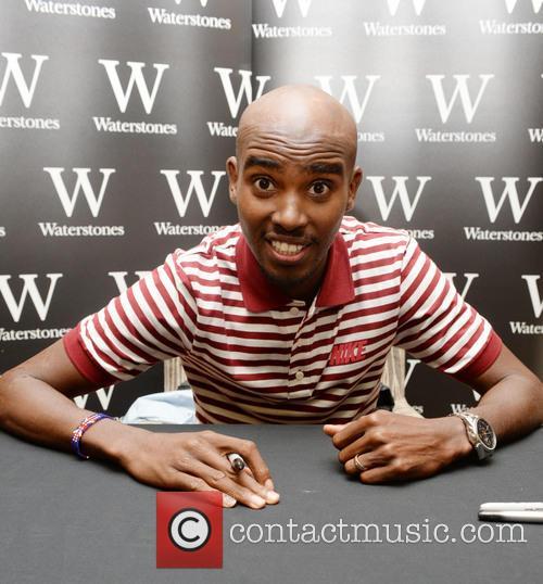 Mo Farah signs copies of his new autobiogrpahy...