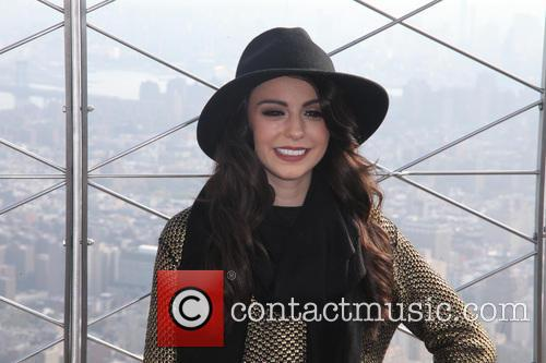 cher lloyd esb to host cher lloyd 3910937