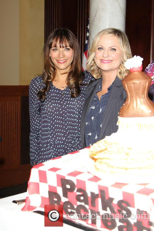 Amy Poehler and Rashida Jones 3