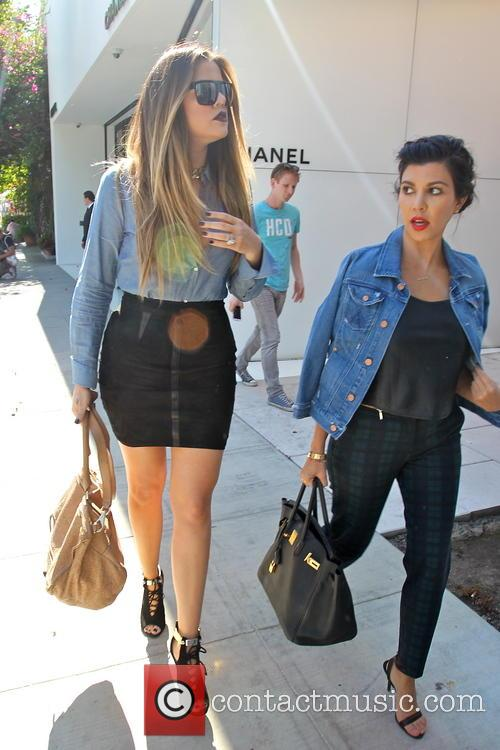 Kourtney Kardashian and Khloe Kardashian 1