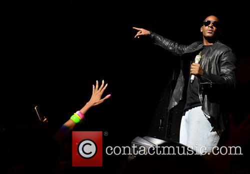 r kelly r kelly performs live in 3912163