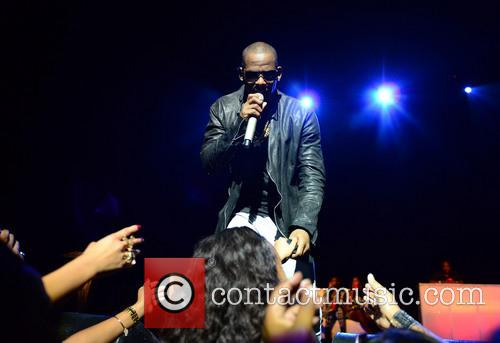 r kelly r kelly performs live in 3912165