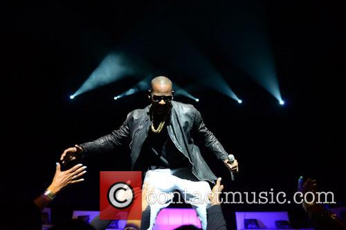 r kelly r kelly performs live in 3912177