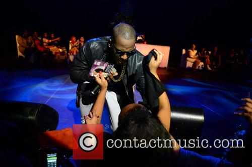 r kelly r kelly performs live in 3912193