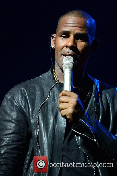 r kelly r kelly performs live in 3912218