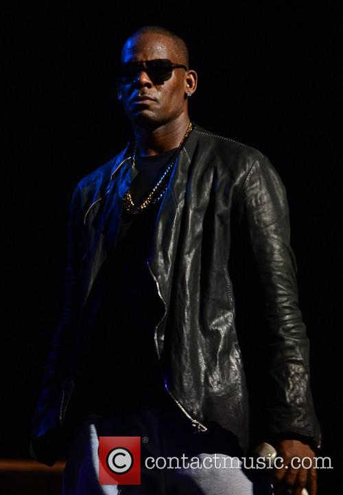 r kelly r kelly performs live in 3912224