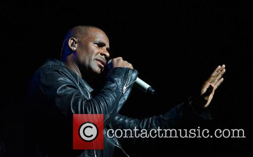 r kelly r kelly performs live in 3912248