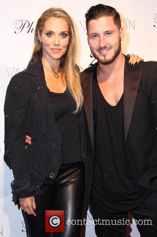 Elizabeth Berkley and Valentin Chmerkovskiy 2