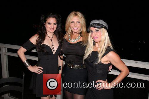 Vikki Lizzi, Pamela Bach Hasselhoff and Sabrina Parisi 3