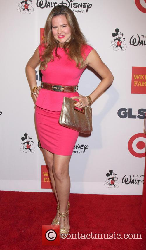 Mariah Delfino 3