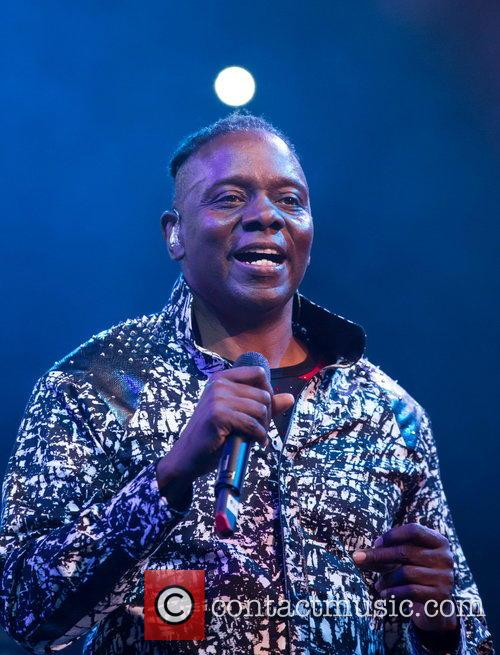 Earth and Philip Bailey 5